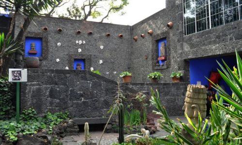 MEKSYK / - / Mexico City,  / W donu Fridy - La Casa Azul w Coyoacán