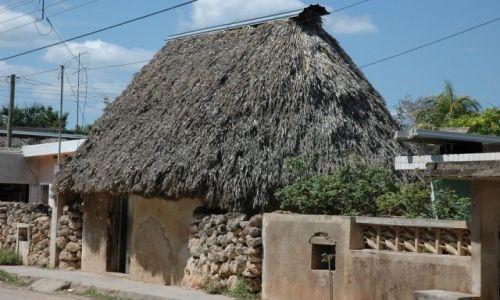 Zdjecie MEKSYK / Yucatan / Ma�e Misteczko / Domek