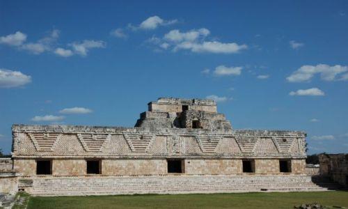 Zdjecie MEKSYK / Yucatan / Uxmal / Kwadrat Mniszek