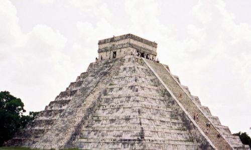 Zdjecie MEKSYK / Yukatan  / Chichen Itza / Piramida Kukulkana