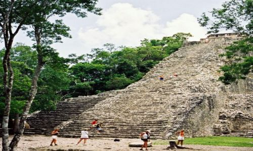 Zdjecie MEKSYK / Yukatan / Coba / Piramida Nohoch Mul