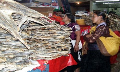 Zdjecie MEKSYK / Chiapas / San Cristobal de las Casas / apetyt na suszone ryby