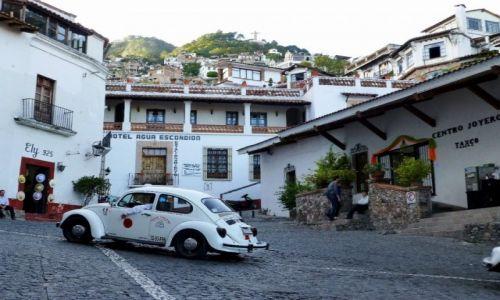 Zdjecie MEKSYK / Taxco / Taxco / scenka uliczna - Taxco