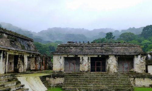 Zdjęcie MEKSYK / Chiapas / Palenque / wewnętrzy dziedziniec pałacu