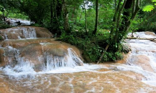 Zdjęcie MEKSYK / Chiapas / Aqua -Azul / a tutaj łączą się dwa