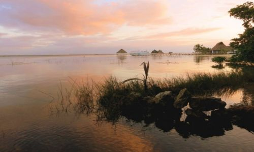 Zdjęcie MEKSYK / Quintana Roo / Laguna Bacalar / kolory i odbicia w Lagunie Bacalar