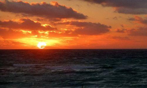 Zdjęcie MEKSYK / Jukatan / Akumal - Half Moon Bay / burzliwy wschód słońca w Akumal