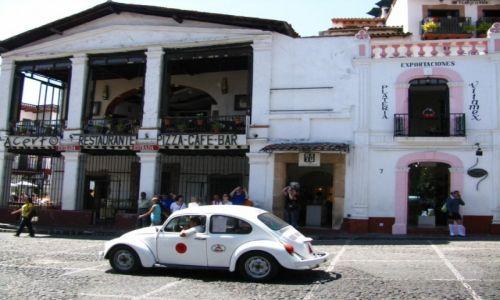 Zdjęcie MEKSYK / okolice Ciudad de Mexico / Taxco / biała taksówka