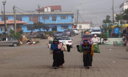 Zdjęcie MEKSYK / Chiapas / San Juan Chamamula / Taki los kobiet