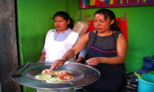 Zdjęcie MEKSYK / stan Puebla / Puebla / uliczna jadłodajnia