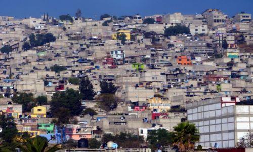 Zdjecie MEKSYK / Dystrykt Fedrealny / przedmieścia miasta Meksyk / Na obrzeżach