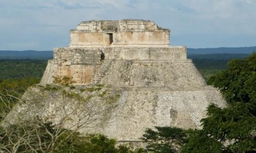 Zdjecie MEKSYK / Jukatan / Uxmal / Piramida Czarownika