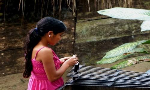Zdjecie MEKSYK / Chiapas / Agua Azul / Dziewczynka z z