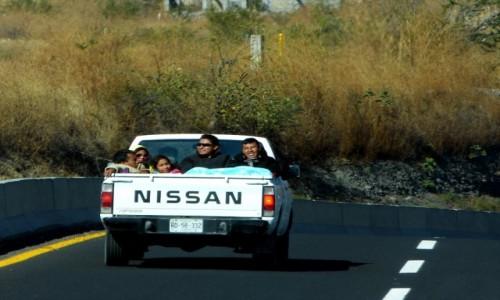 Zdjecie MEKSYK / Puebla / Droga stanowa135D / Paczka na pace