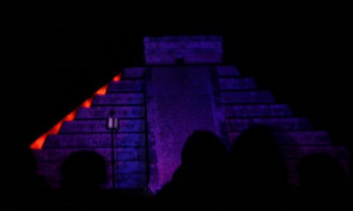 Zdjecie MEKSYK / brak / Chichen Itza, Jukatan / Światło i dźwięk w Chichen Itza - El Castillo