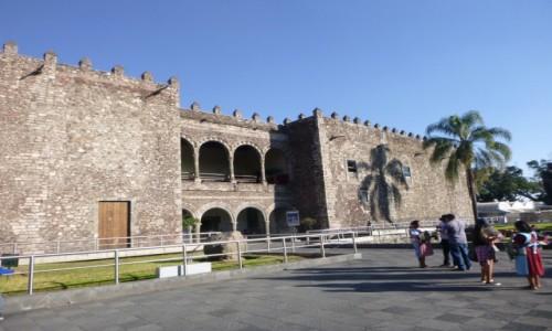 Zdjecie MEKSYK / Morelos / Cuernavaca / Dom Corteza