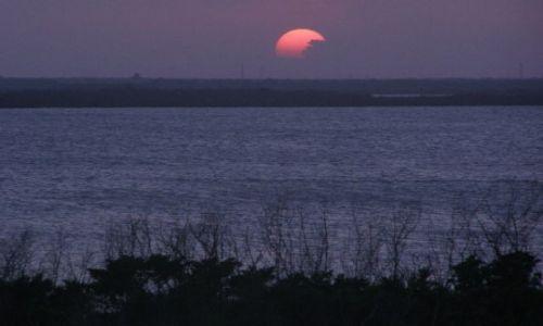 Zdjecie MEKSYK / brak / Cancun / zachód słońca nad laguną