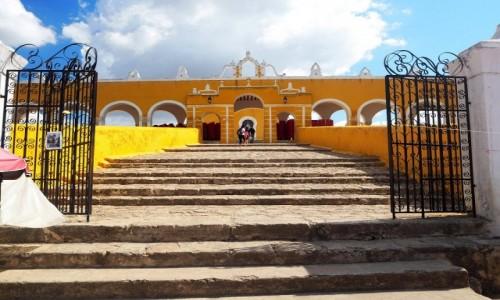 Zdjęcie MEKSYK / Jukatan / Izamal / Klasztor w Izamal