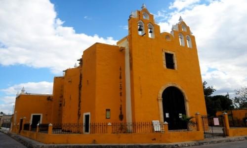 Zdjecie MEKSYK / Jukatan / Izamal / Żółty kościół