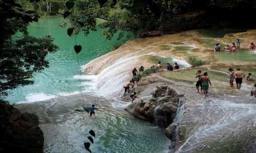 Zdjecie MEKSYK / Jukatan / Jukatan / Kąpiel w wodospadach
