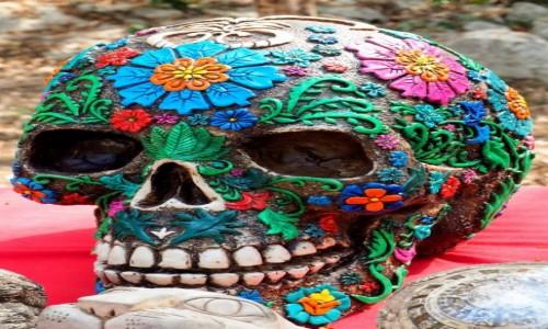 Zdjęcie MEKSYK / Jukatan / Chichén Itzá / Rzeźbiona czacha