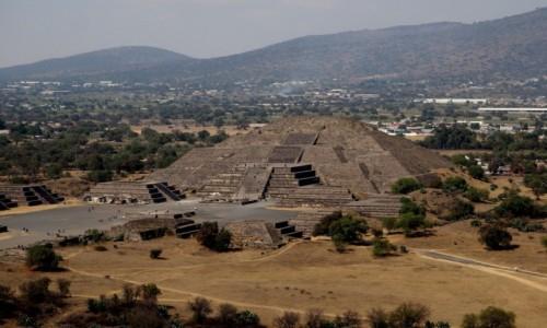 Zdjęcie MEKSYK / północny wschód od miasta Meksyk / Teotihuacán / Piramida Księżyca