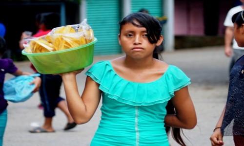 Zdjęcie MEKSYK / Chiapas / Wodospady Agua Azul / Suszone banany