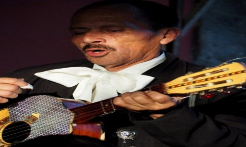 Zdjecie MEKSYK / Mexico City / Plaza Garibaldi / Główny wokalista