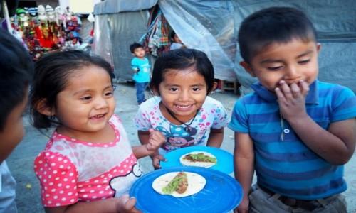 Zdjecie MEKSYK / Oaxaca / Oaxaca de Juárez / Wesoła kolacja