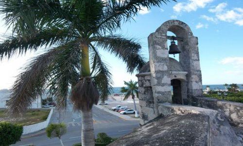 MEKSYK / brak / Campeche / widok z murow obronnych na zat. Meksykanska