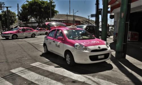 Zdjecie MEKSYK / Mexico City / Guadalupe / Guadalupe, taksówki