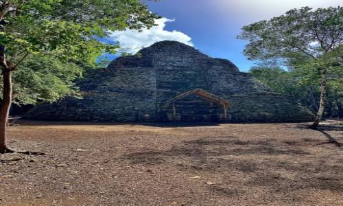 Zdjecie MEKSYK / Jukatan  / Cobá  / Cobá piramida