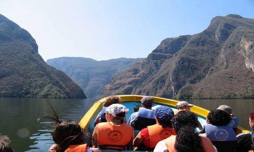 Zdjecie MEKSYK / Chiapas / Kanion del Sumidero / w kanionie 1