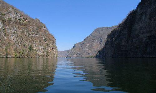 Zdjecie MEKSYK / Chiapas / Kanion del Sumidero / w kanionie 2