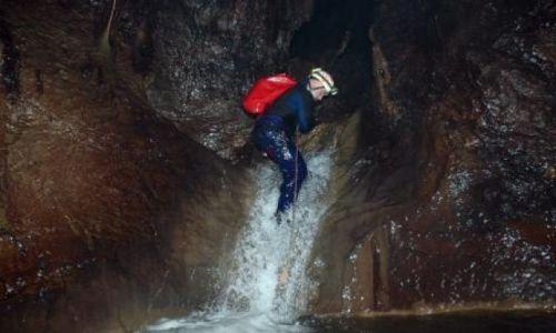 MEKSYK / Sierra Madre de Chiapas / Resumidero de Cereso / Jurek Zygmunt w jaskini Resumidero de Cereso