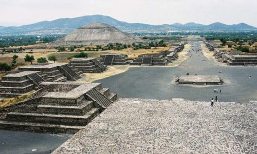 Zdjecie MEKSYK / Wyżyna Meksykańska / Teotihuacan / Teotihuacan - Piramida Słońca i Aleja Zmarłych