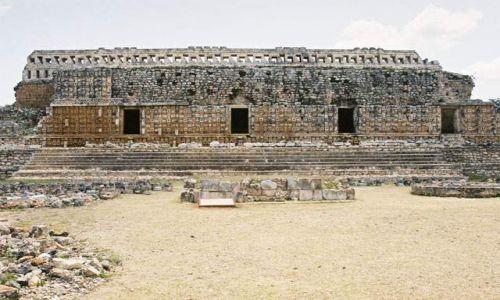 Zdjecie MEKSYK / Jukatan / Kabah / Kabah - Pa�ac M