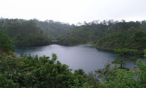 Zdjecie MEKSYK / Meksyk,przy granicy z Gwatemalą / Laguna de Montebello / Jeziora we wszy