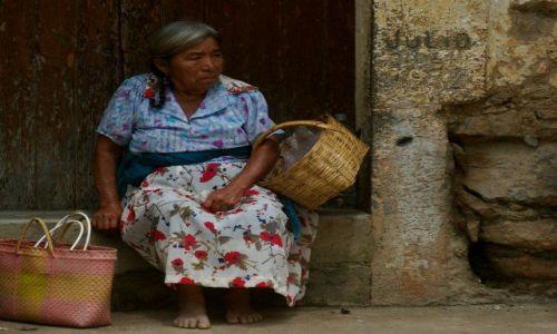 Zdjecie MEKSYK / Veracruz / Zongolica / Indianka