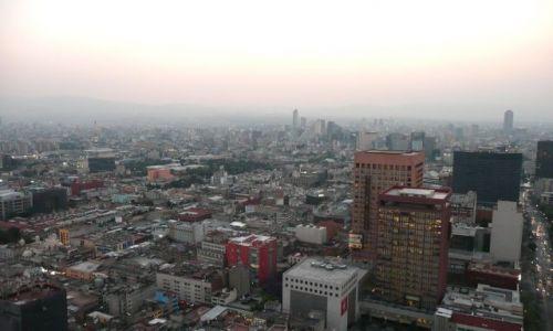 Zdjecie MEKSYK / Mexico City / #8 piętro hotelu Mirador / Wieczór w 30 milionowy mieście