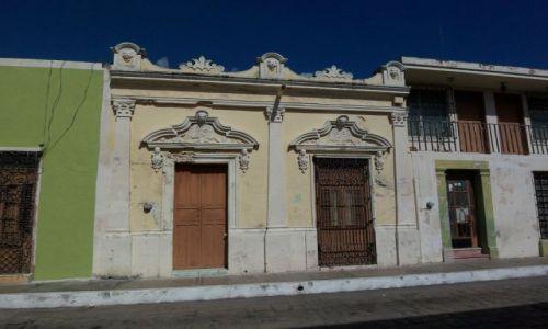 Zdjecie MEKSYK / - / Jukatan / Campeche / KONKURS - drzwi kolonialnaj kamienicy