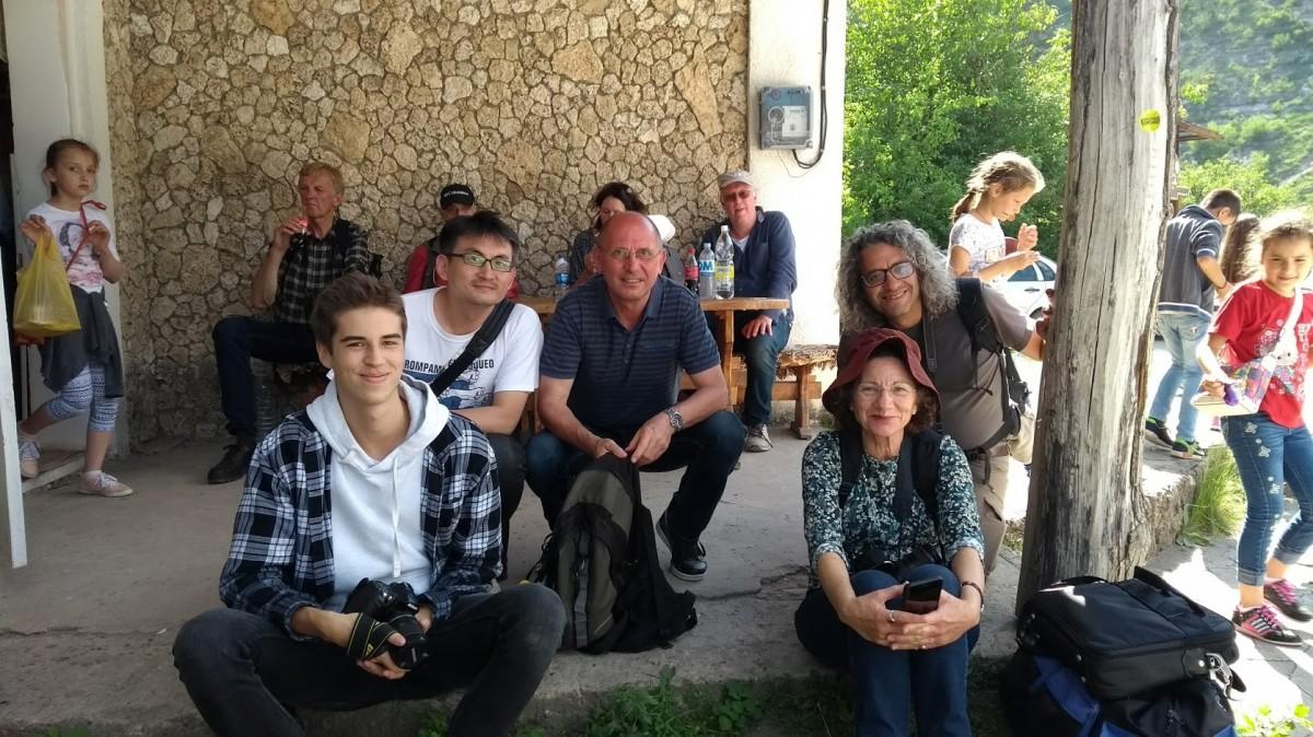 """Zdjęcia: Butuceni, W oczekiwaniu na """"marszrutke"""", MOłDAWIA"""