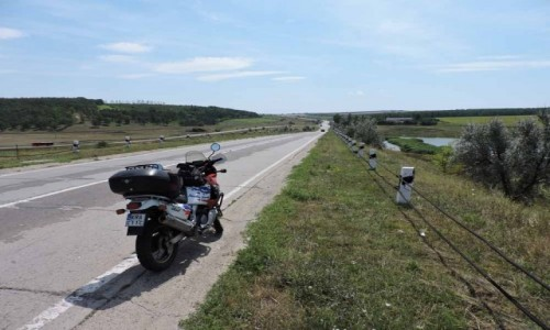 Zdjecie MOłDAWIA / Bielecki / okolice Bielce (Balti) / Długa prosta przez równinę Mołdawii