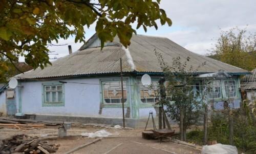 Zdjecie MOłDAWIA / Straseni / Stejareni / Dom w wiosce
