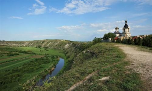 MOłDAWIA / Orhei / Orheiul Vechi / Klasztory w zakolu rzeki