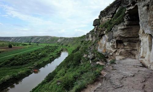 Zdjęcie MOłDAWIA / Orheiul Vechi  / . / Widok z tarasu podziemnej świątyni