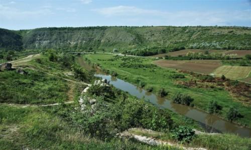 Zdjęcie MOłDAWIA / Orheiul Vechi  / . / W dolinie rzeki Reut