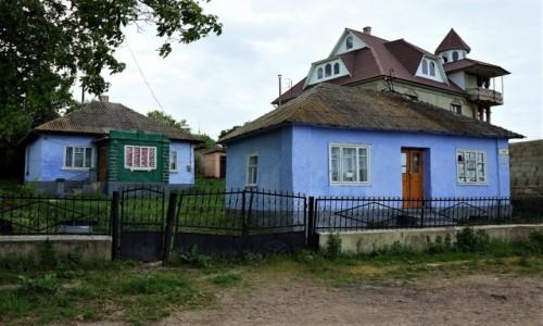 Zdjecie MOłDAWIA / Soroca / Cygańska Góra / Typowe mołdawskie domki