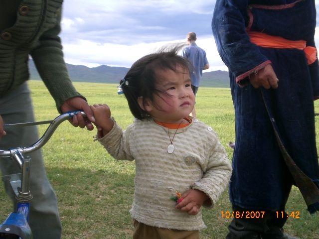 Zdjęcia: 300 km od Ułan Bator, dziewczynka, MONGOLIA
