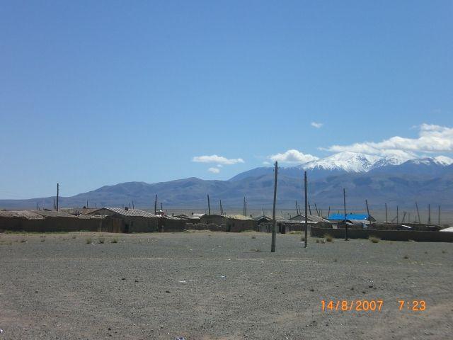 Zdj�cia: 50 km od Khovd, mongolskie miasteczko, MONGOLIA